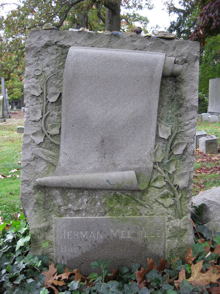 Melvilles gravsten på Woodlawn Cemetry i Brooklyn, New York